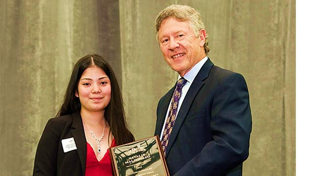 Stovall Middle School's Natalie Maldonado receives award from Do the Write Thing Houston/Harris County Chair Harris County Judge Ed Emmett for being a 2018 National Finalist.